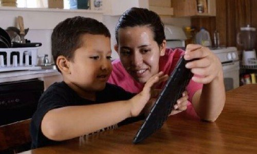 cursos-tecnologia-linea-ninos-jovenes-guatemaltecos-avalados-edutek-marzo-2021-inscripción-computacion