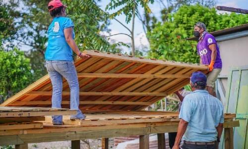 techo-hizo-primera-construccion-viviendas-afectados-eta-iota-guatemala-chisec-alta verapaz-morales-izabal
