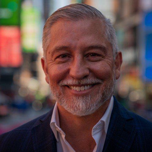 Enrique CrespoCEO de CMI guatemala