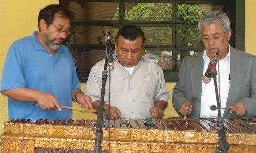 Guatemalteco busca conservar la primera marimba que hubo en Mataquescuintla