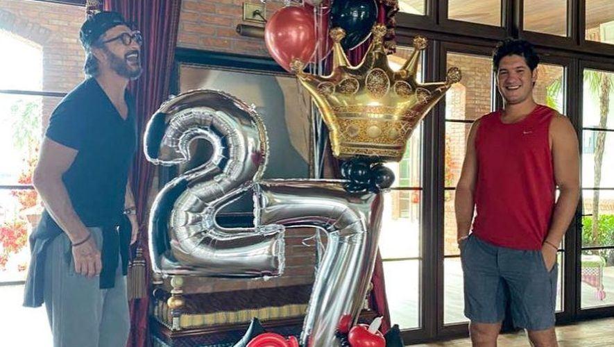 Ricardo Arjona compartió fotografía donde felicitó a su hijo por su cumpleaños