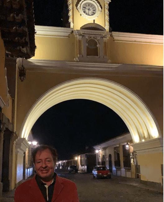 Sammy Perez calle del arco santa catalina antigua guatemala