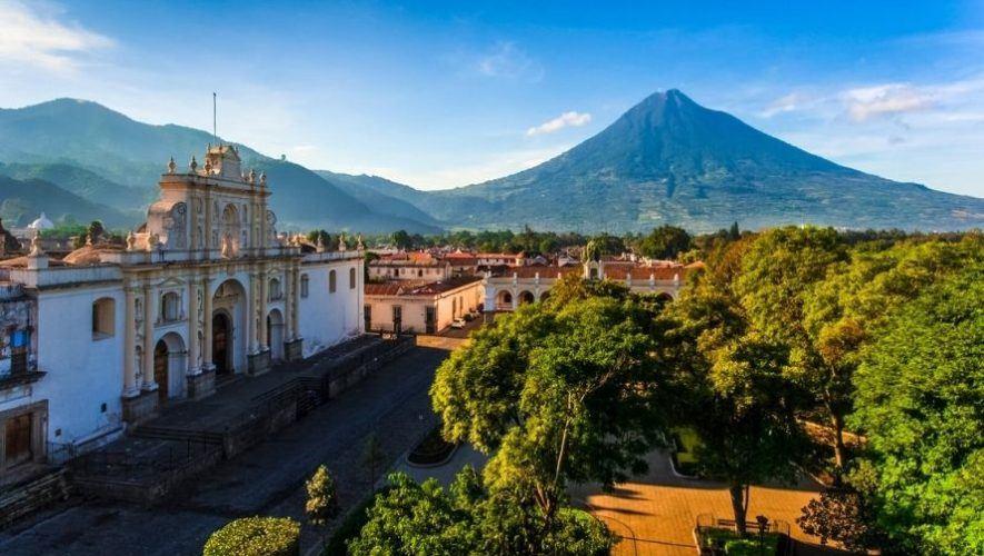 Show gratuito de danza en el parque central de Antigua Guatemala | Abril 2021
