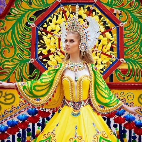 segunda finalista y ser una de las ganadoras de Mejor Traje Nacional miss grand international