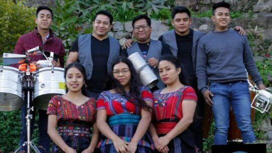 Atitlán Cumbia Band publicó video en donde rindieron homenaje a Selena Quintanilla