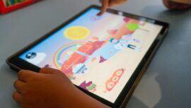 Convocatoria de Guatbox para recolectar celulares y tablets para niños de San Marcos