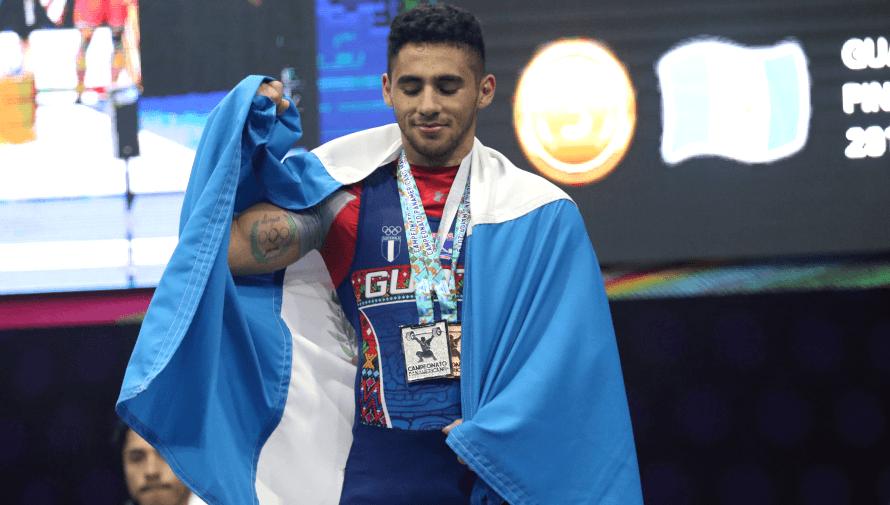 Edgar Pineda, el pesista de Mataquescuintla que ha sobresalido entre los mejores de América