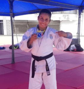 Jaqueline Solis ganadora de medalla