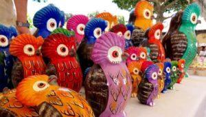Jueves de artesanos en el Parque Central de Antigua Guatemala | 2021