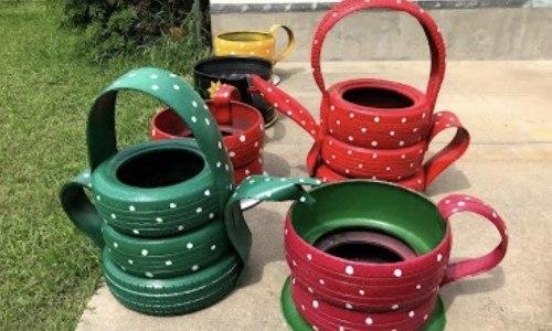 Originario de Alta Verapaz Arnoldo Tiul fabrica artesanías con llantas