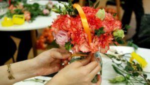 Taller gratuito de arreglos florales para niños por Día de la Madre | Mayo 2021