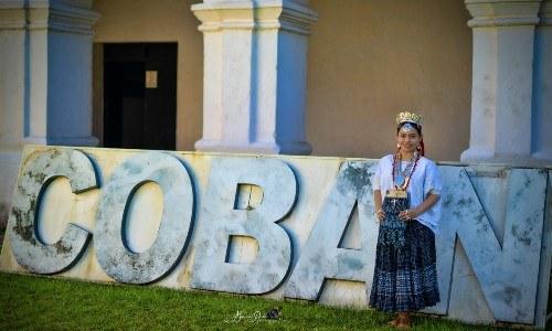 Cobanera de 22 años enseña la riqueza del idioma Q'eqchi'a través de redes sociales
