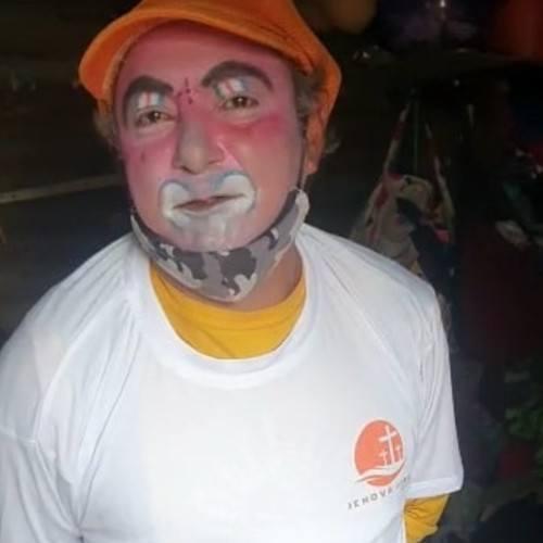 guatemaltecoRudy Alexander Romero Barillas payasito vende paletas en villa nueva