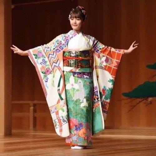 kimono inspirado en Guatemala para proyecto Imagine One World Kimono