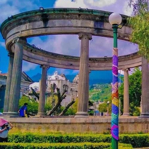 parque central de xela grafiti tejido fundal guatemala