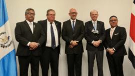 Gerardo Aguirre es ingresado como nuevo miembro del Salón de la Fama