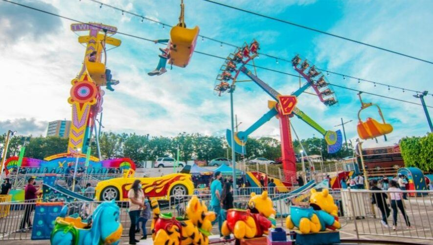 Parque de diversiones móvil Esquilandia en el Campo Marte de la Ciudad de Guatemala | 2021